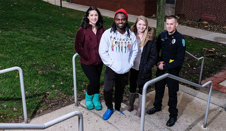 Students and officer that assisted