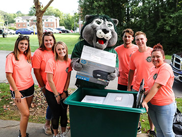 Thumbnail for SRU greets new students with hundreds of open arms