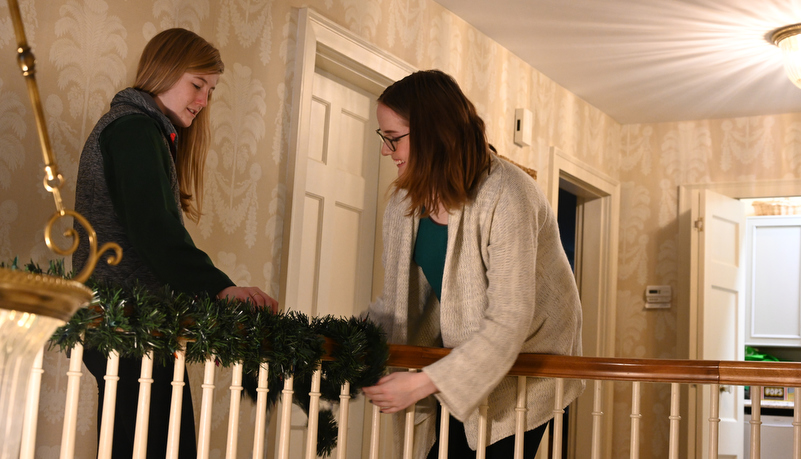 Students decorating the house