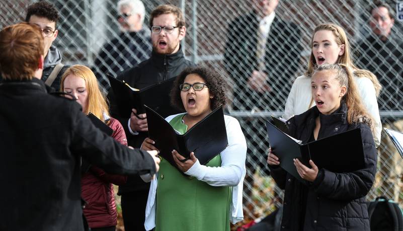 Slippery Rock chamber singers perform