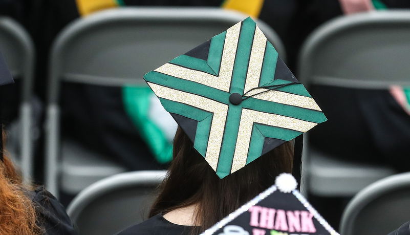Decorated cap with SRU green and white
