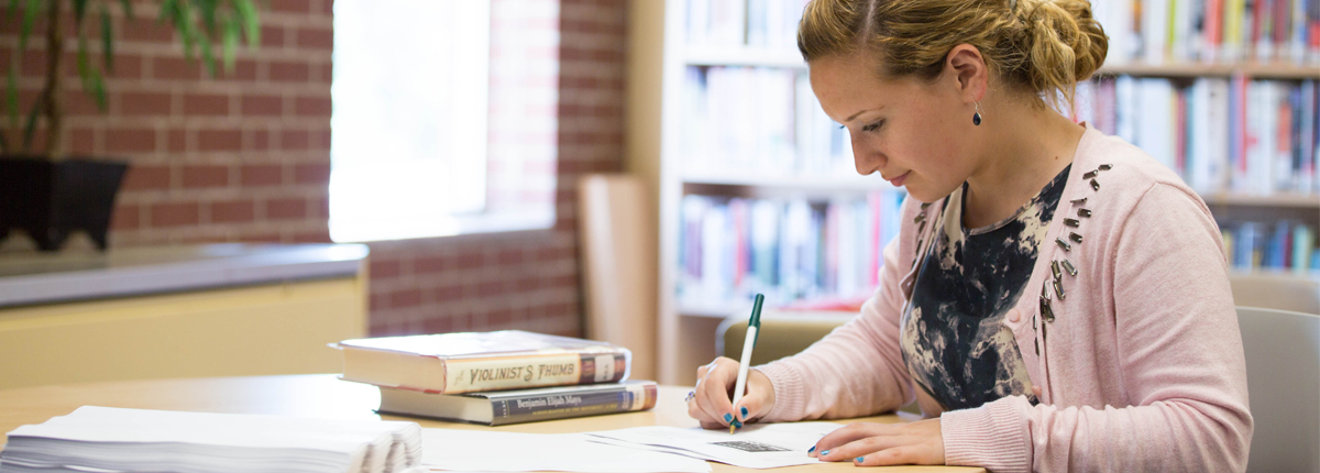 online graduate programs creative writing With the number of mfa programs climbing higher every year, it seems there is now a creative writing program to fit just about every aesthetic principle, curricular.