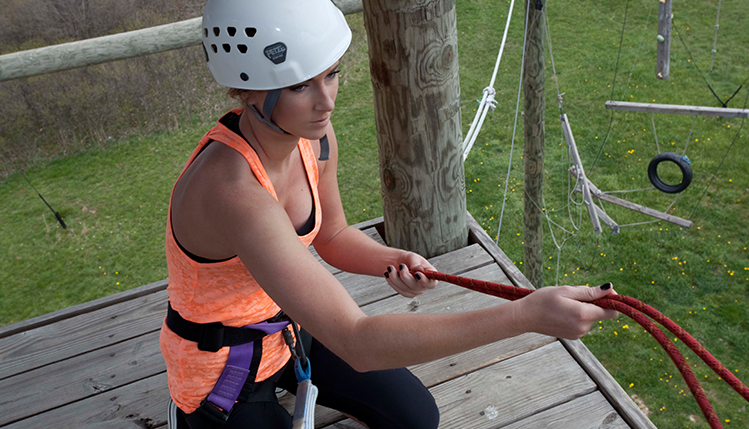Student prepares for obstacle course