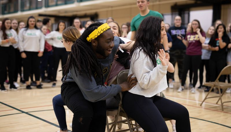 SRU students playing Musical Chairs